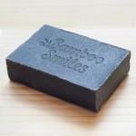 Σαπούνι με Ενεργό Άνθρακα  & Τεϊόδεντρο (100γρ) Bamboo Smiles